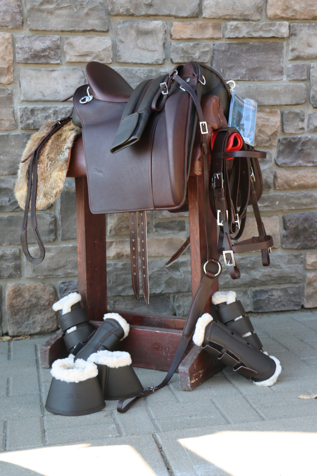 IMPORTED BAROQUE, WORKING EQUITATION, HANDCRAFTED AND CUSTOM TACK