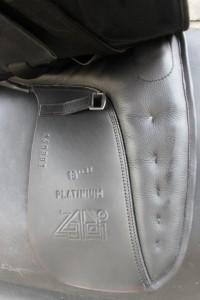 zaldi-platinium-dressage-under-flap.jpg